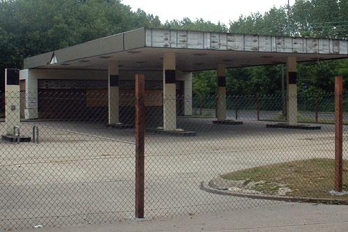 A redundant service station