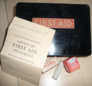 1st aid tin
